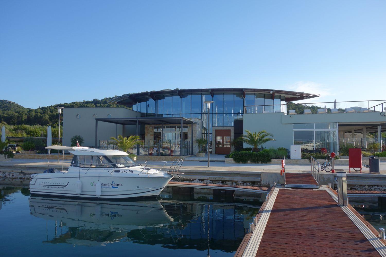 Das Marina-Gebäude