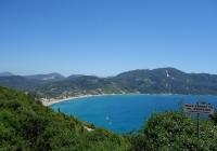 Die Bucht von Agios Georgios